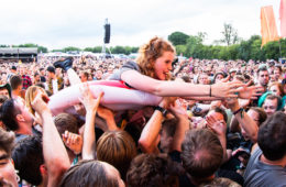 Crowd Surfer - 2000trees 2018